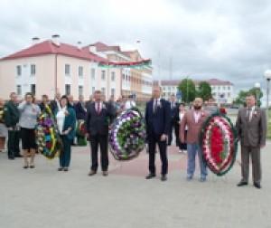В Сенно отметили главный праздник страны. Фото А.Карбовского